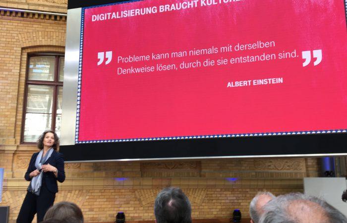 """""""Digitalisierung braucht kulturelle Veränderung."""" @claudianemat #chefkon17"""
